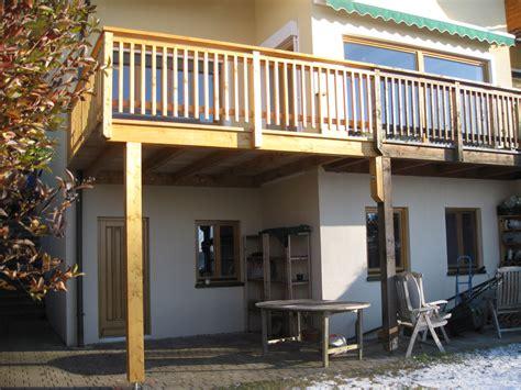 balkon dach balkon dach holz kreative ideen f 252 r innendekoration und
