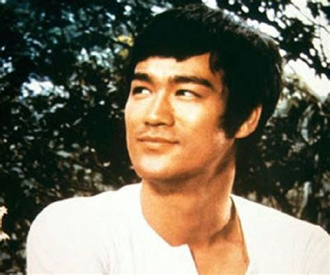 bruce lee biography wikipedia bruce lee biography childhood life achievements timeline