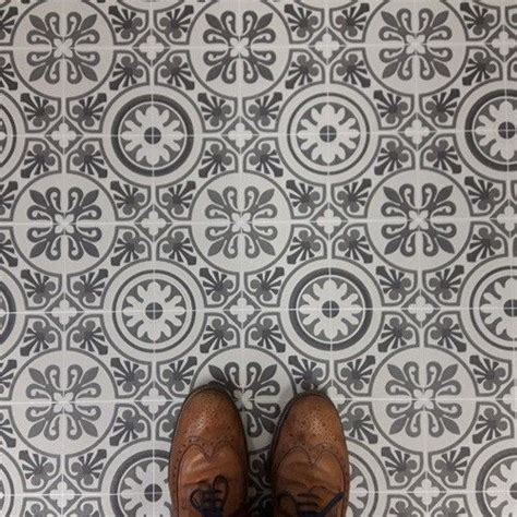 25 best ideas about vinyl flooring bathroom on pinterest white vinyl flooring vinyl tile