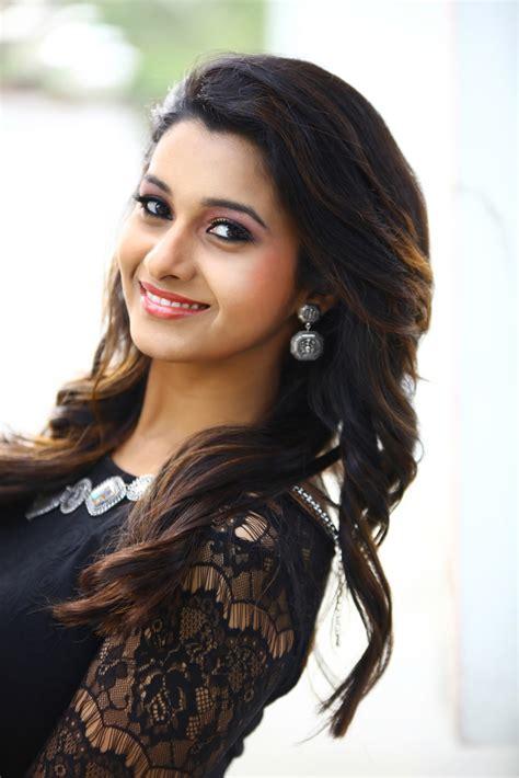 actress priya bhavani shankar priya bhavani shankar latest photo shoot wetalkiess