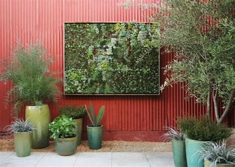 Vertical Gardens Diy Panels The Modern Gardener How To Make A Vertical Wall Garden