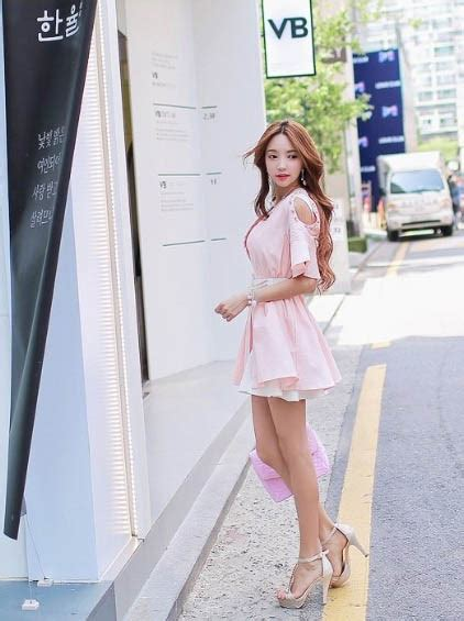Limited Edition Jaket Sweater Hoodie Wanita coat pink model dress korea terbaru model terbaru jual