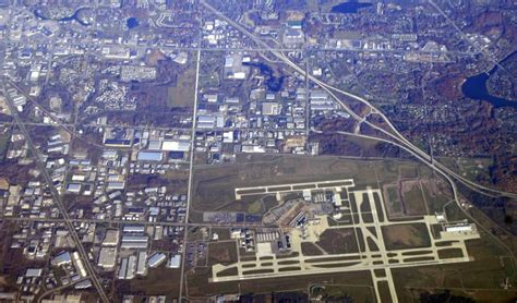 grand rapids mi airport gerald r ford international airport grand rapids mi