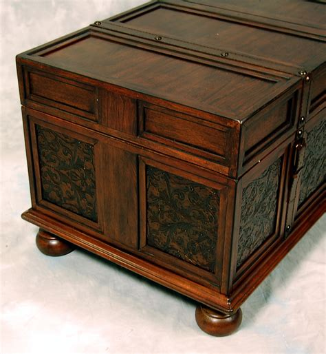 Old World Mckenna Trunk Coffee End Table Ebay Coffee End Tables