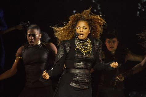 Janet Jackson Really Let Herself Go by Janet Jackson Concert Review Janet Jackson At Chicago