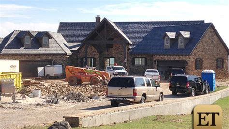 blake shelton house photos see blake shelton s new house cbs news