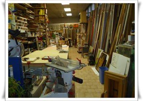 cornici pronte per quadri produzione vendita cornici legno per quadri modena