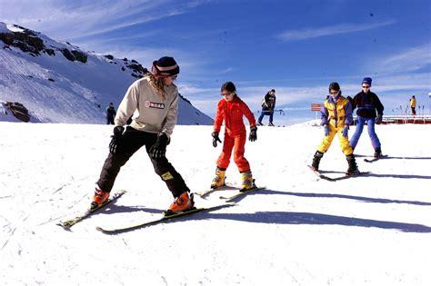 imagenes de niños jugando en invierno est 225 n todo el tiempo distra 237 dos y con ganas incansables de