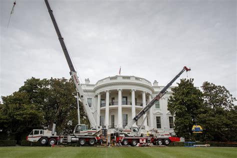 trump s vacation and white house renovations one news page video trump works a day in washington amid white house