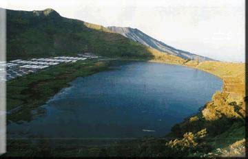 wisata travelling gambar kabupaten banjarnegara