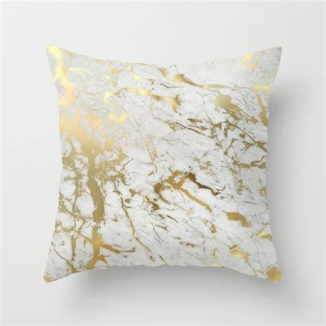 Gold Pillows Decorative by Best 25 Gold Throw Pillows Ideas On Gold