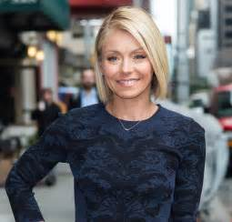 how does ripa do hair kelly ripa new hairstyle this weeks show