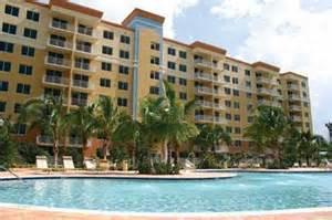 Rental Apartments In Miami Fl Royal Palms Luxury Rentals Everyaptmapped Miami Fl