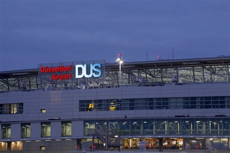 dã sseldorf airport dusseldorf to manchester flights from dus to with flybe
