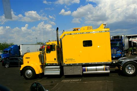 Indiana Custom Sleepers by Bigrigtravels Big Rigs That Eye Yellow