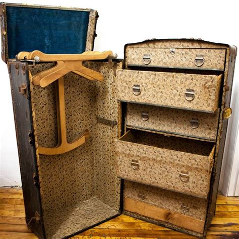 Steamer Trunks With Drawers by Antique Steamer Trunk With Drawers Woodworking Projects