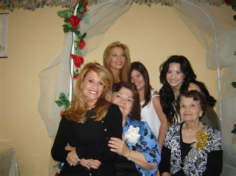 demi lovato and her family demi lovato w her family in texas memi support
