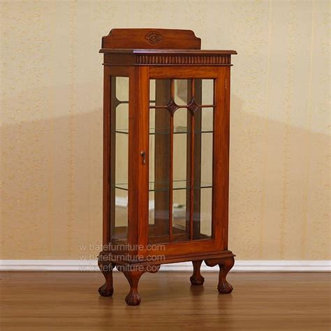 Small Curio Cabinets With Glass Doors by Curio Cabinets With Glass Doors Manicinthecity
