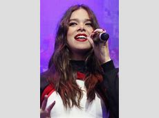 Hailee Steinfeld's Hairstyles & Hair Colors | Steal Her Style L'oreal Hair Products At Target
