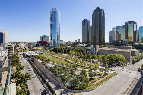 park dallas dallas klyde warren park 2014 winner of uli open space award