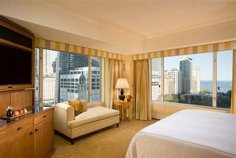 hotels in chicago with in room the urbanist s guide to chicago where to stay new york magazine