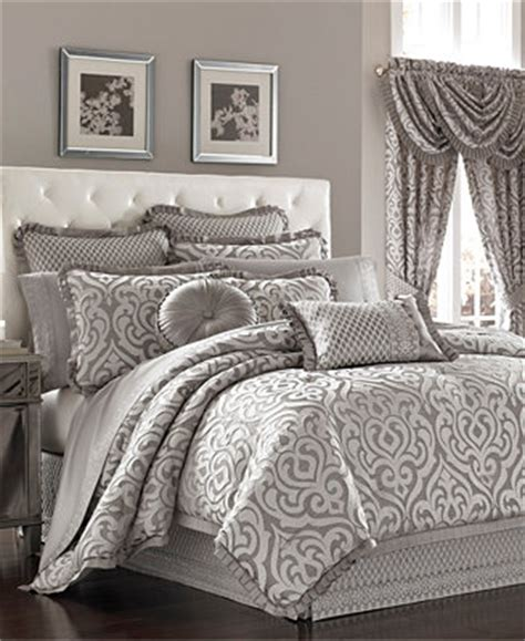new york 4pc queen bedroom set j queen new york babylon king 4 pc comforter set