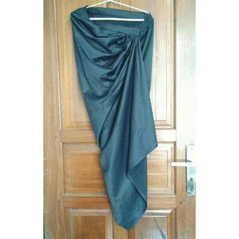 Pakaian Wanita Pre Loved 12 rok lilit instan hitam preloved fesyen wanita pakaian wanita di carousell