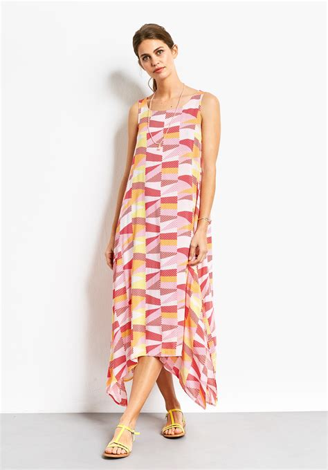 Dress Drs 107 where to find a sleeveless summer dress with the waft factor that s not my age