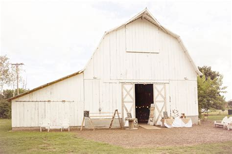 Handmade Michigan - handmade michigan barn wedding carissa green