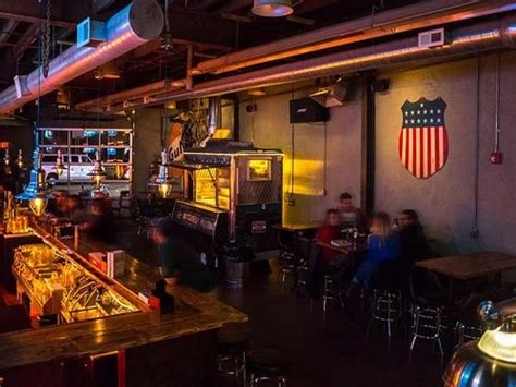 Garage Happy Hour Join The Happy Hour At Garage In Philadelphia Pa 19147