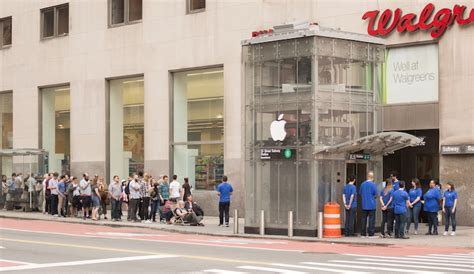 Iphone Mac City new york city subway entrance turned into apple store