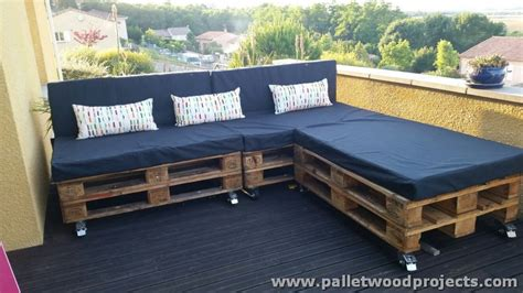 couch on wheels tremendous wood pallet furniture plans pallet wood projects