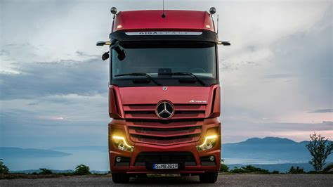 Mercedes Truck 2019 by New Mercedes Actros Is More Efficient Replaces Mirrors