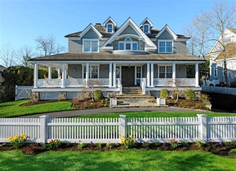 homes for sale with curb appeal