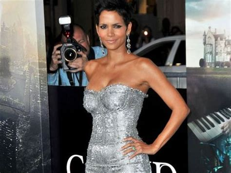 film james bond halle berry halle berry told to be sexier on set of james bond film