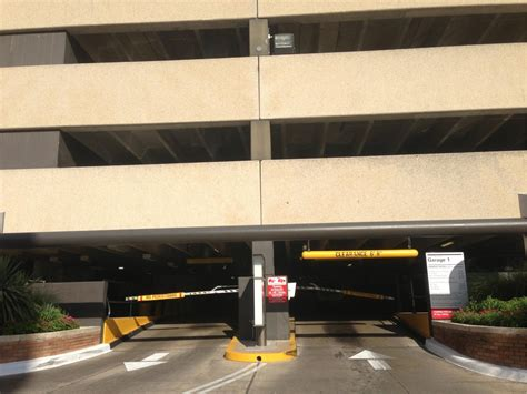 David Garage by St David S Garage 1 Parking In Parkme