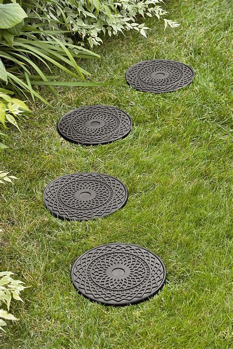 decorative  stepping stones recycled rubber