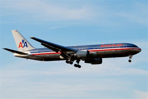american airlines fichier american airlines boeing 767 300er lhr 2009 jpg wikip 233 dia