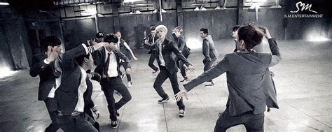 tutorial dance exo wolf reasons to get totally pumped for exo s comeback