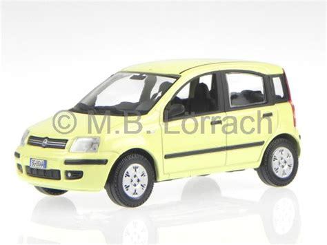 Weißes Auto by Fiat Punto Evo Wei 225 Modellauto Bburago 1 24 Ebay