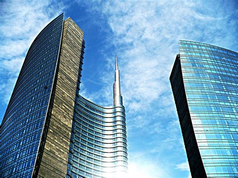 lombarda investment italian bank drives decisions with prescriptive analytics
