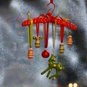 how to stick decorations without damaging walls hang decorations without damaging walls i want