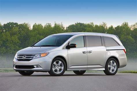 honda odyssey 2011 honda odyssey has lots of cup holders autotribute