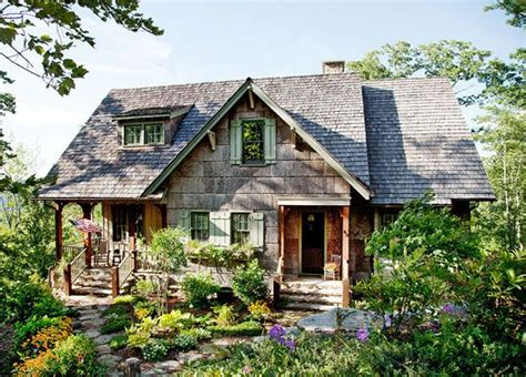 livin lovin log homes blueridgecountry com the front porch of this summer cottage faces out into the