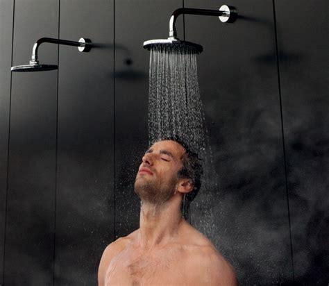 duchas y ba eras hombres desnudos en duchas y baos bosch el poder de la
