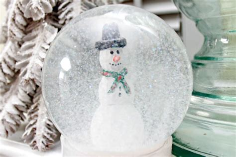 Handmade Snow Globes - snow globe day 6 of 12 days of
