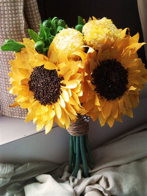 How To Make Paper Sunflowers - 192 best paper flowers images on