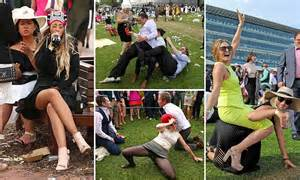 new year race day 2015 melbourne cup 2015 revellers get into the spirit for