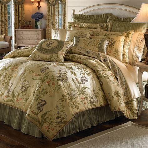 17 best images about luxurious traditional comforter sets