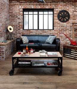 Ordinaire Idee Deco Cuisine Rouge #2: brique-rouge-décor-industriel-charmant-table-basse-coffre.jpg